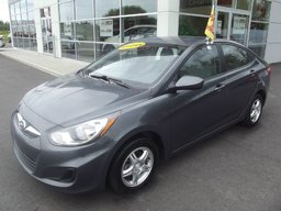 Hyundai Accent GL ***AIR CLIMATISÉ, RÉGULATEUR DE VITESSE!! *** 2012 BON PRIX!!! A QUI LA CHANCE!!!!