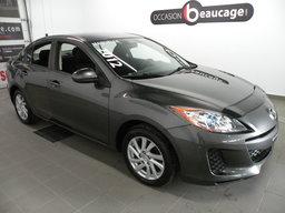 Mazda Mazda3 2012 GS / SKY ACTIVE/ TOUT ÉQUIPÉ RÉGULATEUR DE VITESSE / SIÈGES CHAUFFANTS / ENTRÉE AUX