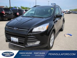 2014 Ford Escape SE  4X4, NAVIGATION, SYNC, POWER SEAT!
