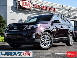 2014 Kia Sorento LX -- Accident Free, Heated Front Seat, Bluetooth