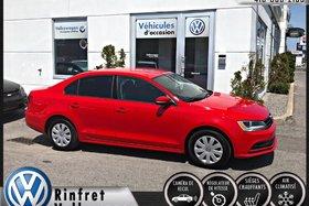 Volkswagen Jetta 2.0 Trendline + 2015