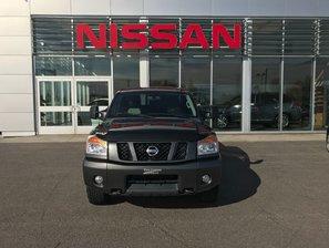 Nissan Titan Pro-4X 2012 Camion très propre ! Véhicule Certifié