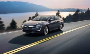 2018 Honda Clarity Plug-In Hybrid: Quiet Performance