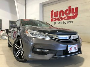 2016 Honda Accord Sedan Touring V6 w/rear heated seats, leather ONE LOCAL OWNER, NO ACCIDENT