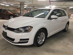 2017 Volkswagen Golf Trendline Auto w/ Connectivity Pkg.