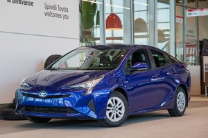 2017 Toyota Prius BASE MAGS! HYBRID! HEATED SEATS! BLUETOOTH! AIR CONDITIONED! BACK UP CAMERA! SUPER PRICE! HURRY!