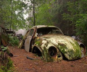 Halloween : les cimetières automobiles les plus effrayants au monde!