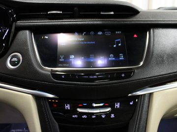 2018 Cadillac XT5 LUXURY - LEATHER / BOSE SOUND / PANORAMIC SUN ROOF