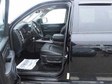 2015 Dodge RAM 1500 Sport 5.7L 8 CYL HEMI AUTOMATIC 4X4 CREW CAB