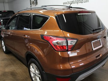 2017 Ford Escape SE - HEATED SEATS / LEATHER / BACK-UP CAMERA