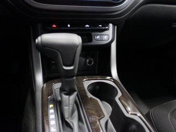 2017 GMC Canyon SLE 3.6L 6 CYL AUTOMATIC 4X4 CREW CAB