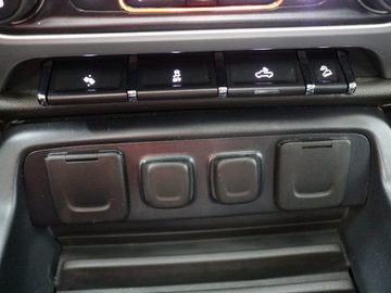 2015 GMC SIERRA 2500 HD Z71 SLT - NAVIGATION / 4X4 / LEATHER INTERIOR