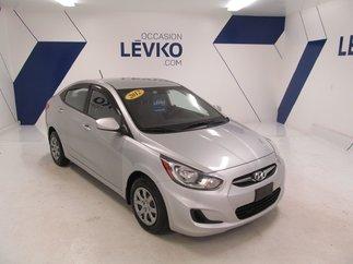 2012 Hyundai Accent L **MANUELLE + BAS KILOMÉTRAGE**