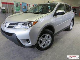 Toyota LE AWD Gr:A  *TRÈS BEAU VÉHICULE* NULL 2015