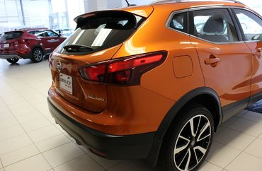 2018 Nissan Qashqai SL - NAVIGATION / LEATHER / SUN ROOF