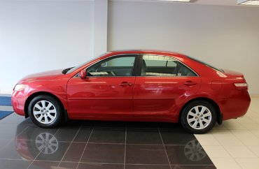 2007 Toyota Camry XLE - LEATHER INTERIOR / HEATED SEATS / SUN ROOF | Photo 1
