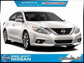 2018 Nissan Altima 2.5 SV Moonroof & Navigation Package