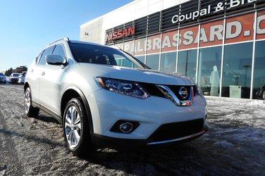 2015 Nissan Rogue SV.,1 PROPRIO,TOIT PANORAMIQUE,BANCS CHAUFFANTS