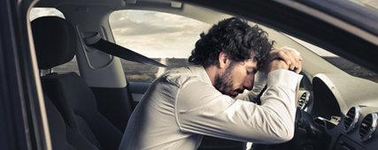 Trop d'alcool pendant une soirée? Surtout, ne faites pas de camping dans l'auto!