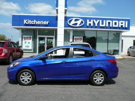 2013 Hyundai Accent ABS// AIR CON// HEATED SEATS