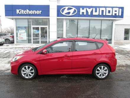 2013 Hyundai Accent 5DR GLS AUTO// ALLOYS// SUNROOF