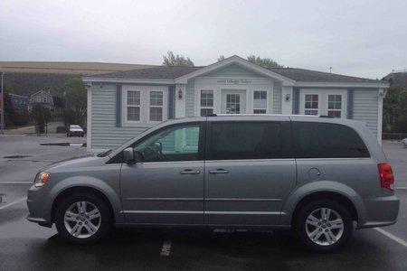 reviews review original depth economy s grand in photo model fuel car caravan and driver dodge