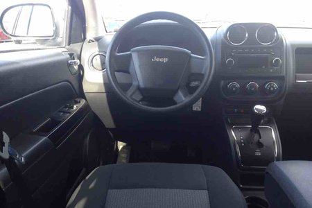 2010 Jeep Compass SPORT...SUPER LOW KMS..4X4..FOR ONLY $136 B/W!!