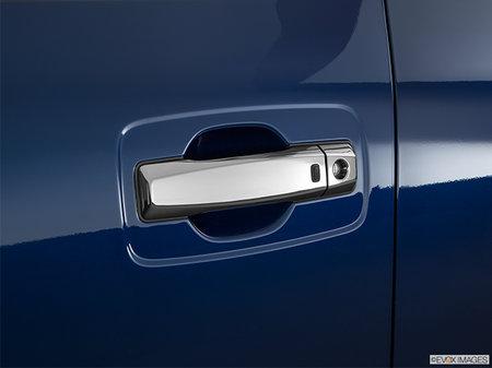 Nissan Titan XD Gas PLATINUM 2019 - photo 1