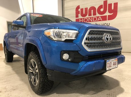 2017 Toyota Tacoma TRD SPORT V6 w/Navi, $325.80 B/W