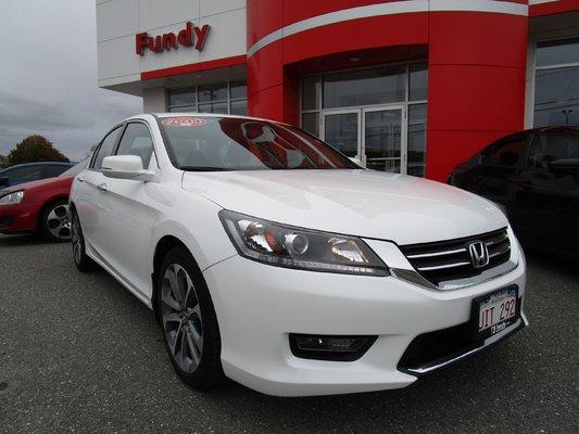 2014 Honda Accord Sport W/Backup Cam, Bluetooth, Cruise Control