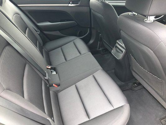 2017 Hyundai Elantra GL (3/11)