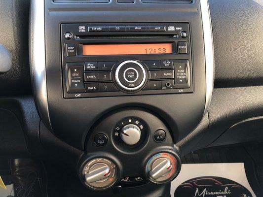 2012 Nissan Versa SL (6/7)