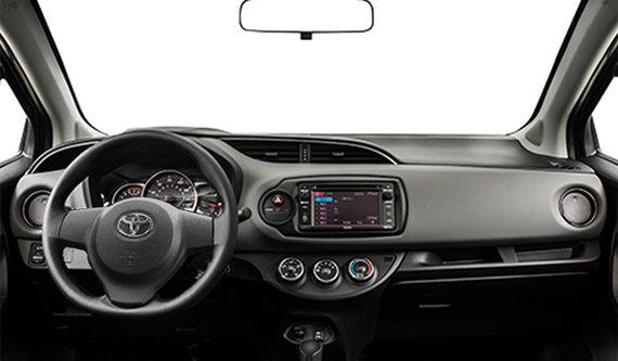 Toyota yaris le 5 portes 2015 vendre pincourt et le for Interieur yaris 2015
