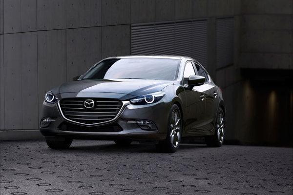 Mazda Shows off a Slightly Redesigned 2017 Mazda3