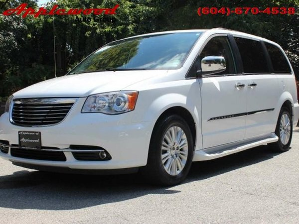 2013 Chrysler Town & Country Limited  - Leather Seats - $199.33 B/W