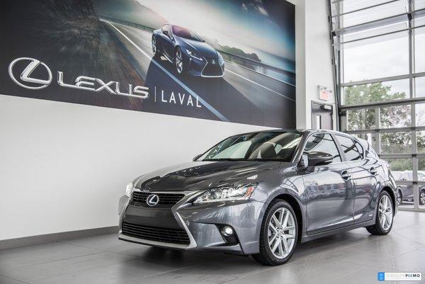 Lexus CT 200h Touring-Super économique- toit ouvrant 2015