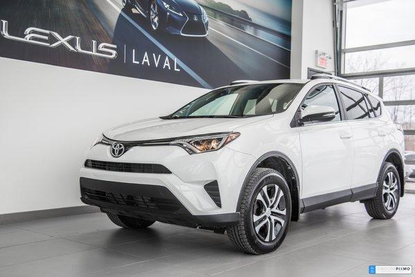 Toyota RAV4 LE AWD / Caméra / $160.12 aux 2 semaines* 2016