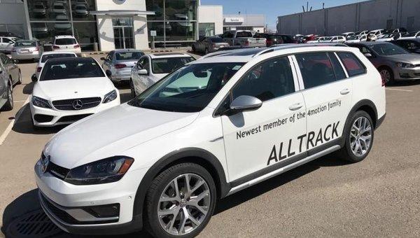 2017 Volkswagen GOLF ALLTRACK 1.8 TSI  - Navigation - $246.57 B/W
