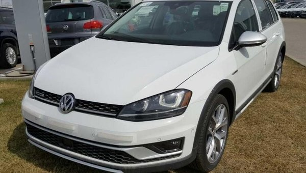2017 Volkswagen GOLF ALLTRACK 1.8 TSI  - Navigation - $246.69 B/W