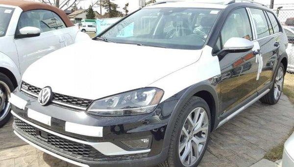 2017 Volkswagen GOLF ALLTRACK 1.8 TSI  - Navigation -  Sunroof -  Leather Seats - $246.69 B/W