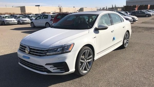 2017 Volkswagen Passat Highline  - $256.87 B/W