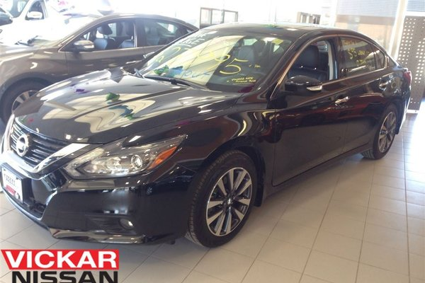 Used 2017 Nissan Altima 2 5 Sl Loaded Navi Demo Black In Winnipeg