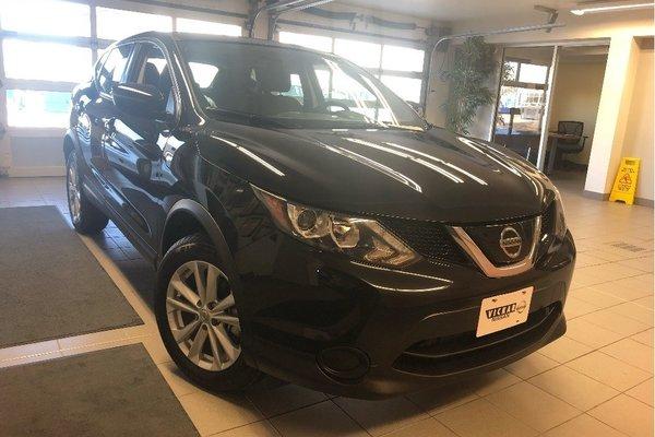 2018 Nissan Qashqai S AWD - HEATED SEATS / BACK-UP CAMERA / BLUETOOTH