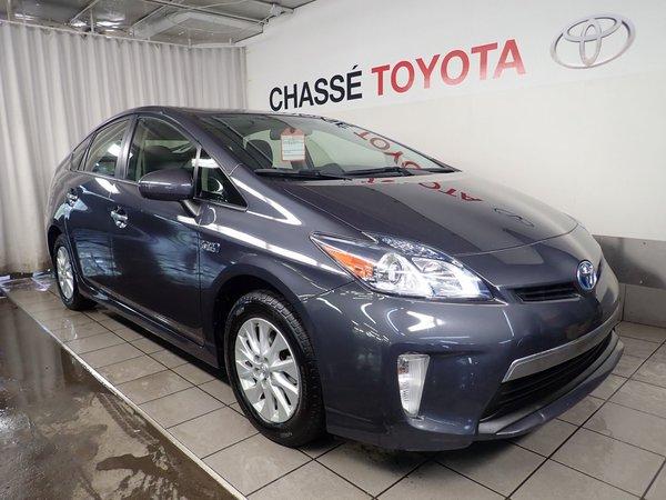 Toyota Prius Plug-In Caméra recul + navgation 2013