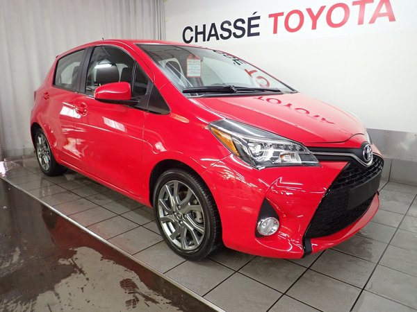 Toyota Yaris Hatchback SE 2015