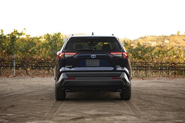 2019 Toyota RAV4 Hybrid : The no-compromise hybrid SUV
