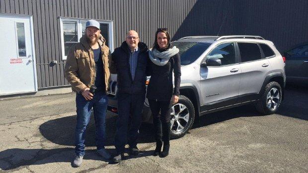 Très heureuse de mon nouveau véhicule, mais également du service reçu au Garage Windsor. Un gros merci à mon vendeur Rodolphe pour son service personnalisé.