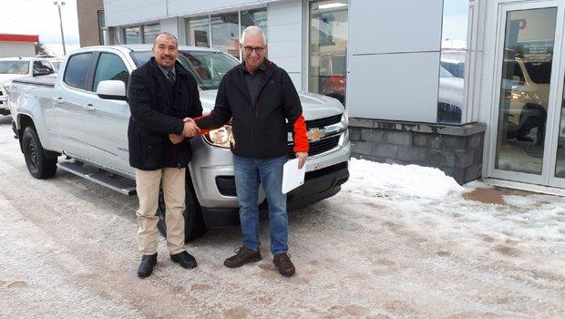 Merci à M. Francois Roussel de Transport F.Roussel pour l'achat de son nouveau camion un Chevrolet Colorado.