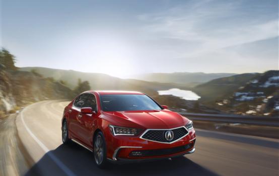 L'Acura RLX 2018 adopte un nouveau design alléchant