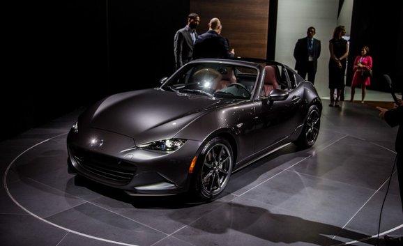 Mazda Hits Hard with the 2017 MX-5 RF